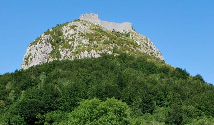 Замок катаров Монсегюр