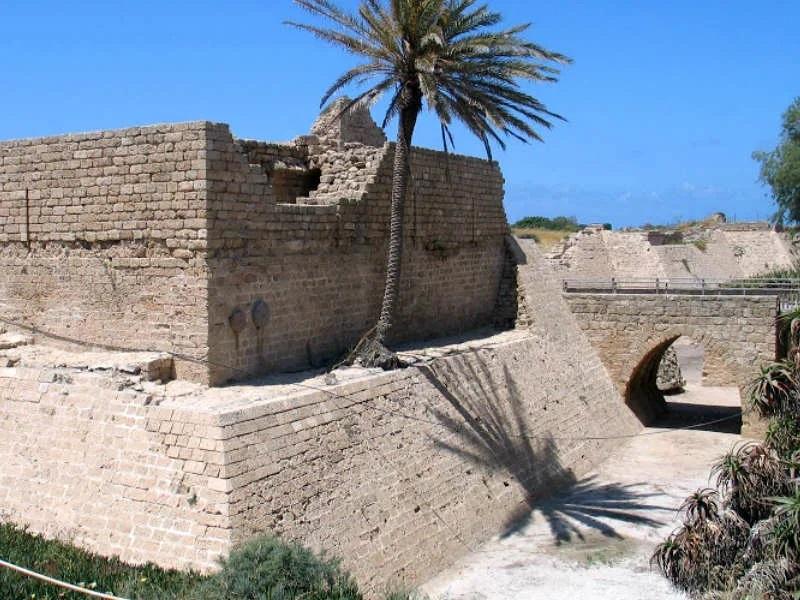 Крепостные руины в Кесарии