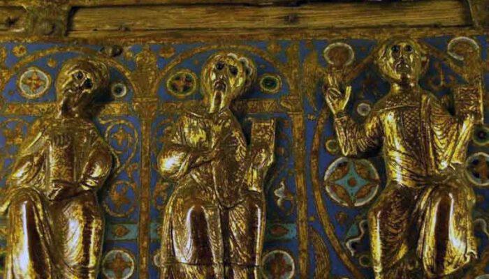 Иконы, кресты и литургические предметы в церквях тамплиеров  Арагона