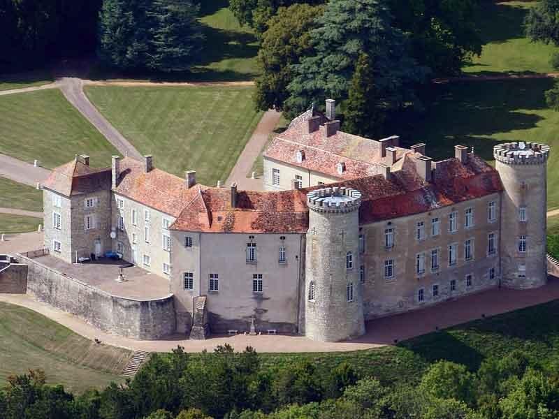 Плащаница. Замок Ре-сюр-Сон